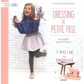 """Livre """"Dressing de petite fille"""""""