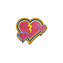 Amour à la plage embroidered iron-on patch - broken heart