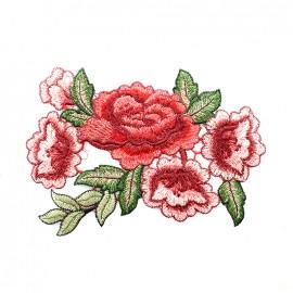 Thermocollant brodé Elegante nature - rose rouge