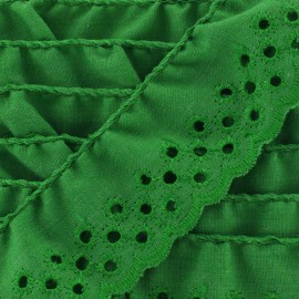 English embroidery Eloïse - green x 1m