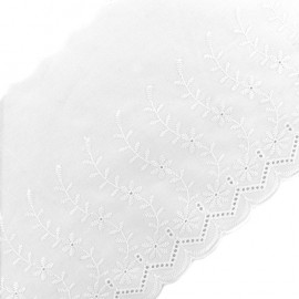 English embroidery Blossom - white x 1m