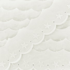 English embroidery Single Stars 40mm - vanilla x 1m
