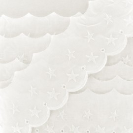 Broderie anglaise Stars 60mm - vanille x 1m