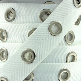 Eyelet twill ribbon - white x 1m