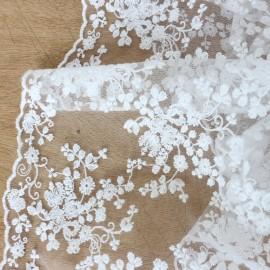 Tissu dentelle brodée Floral - blanc x 10cm