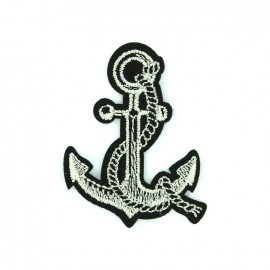 Embroidered iron on patch Scary pirate - anchor