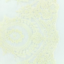 Embroidered lace fabric Fleur Deluxe - ecru x 10cm
