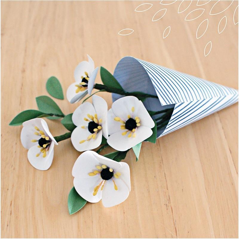 livre fleurs en papier 20 id es de cr ation diy. Black Bedroom Furniture Sets. Home Design Ideas