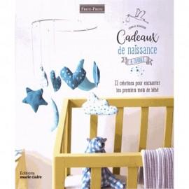 """Book """"Cadeaux de naissance à coudre"""""""