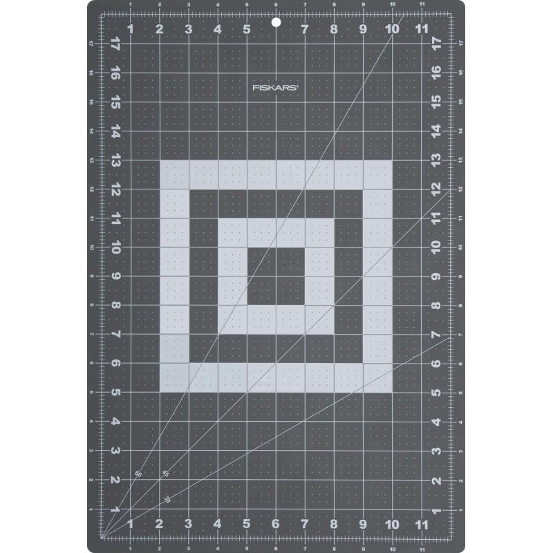 tapis de d coupe 30 x 45 cm 12 x 18 a3 fiskars ma petite mercerie. Black Bedroom Furniture Sets. Home Design Ideas