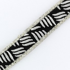 Zebra Bijoux iron on braid trimming  x 50cm - silver