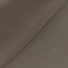 Tissu crêpe envers satin taupe x 10cm