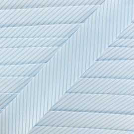 Biais satin à rayures bleu ciel sur fond blanc 20 mm