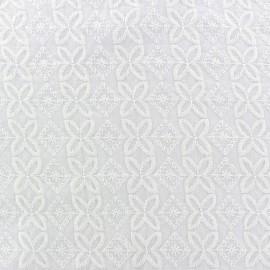 Tissu coton brodé Laura - blanc x 10cm
