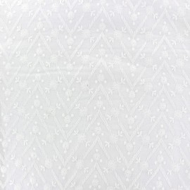 Tissu coton brodé Emma - blanc x 10cm