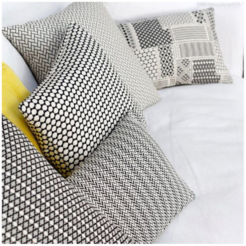 Tissu jacquard austin noir et blanc x 10cm ma petite mercerie - Tissus noir et blanc ...